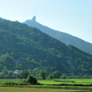 Khám phá leo núi Đá Bia bên dãy Trường Sơn hùng vĩ