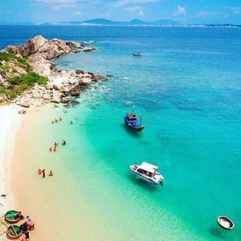 Tour Lặn ngắm san hô Hòn Nưa – Phú Yên 1 ngày