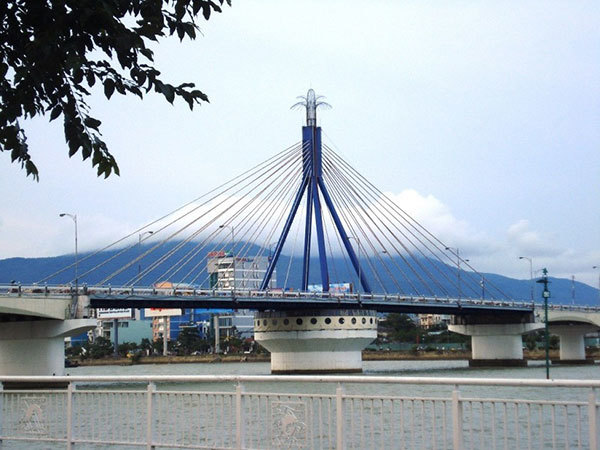 Cầu sông Hàn