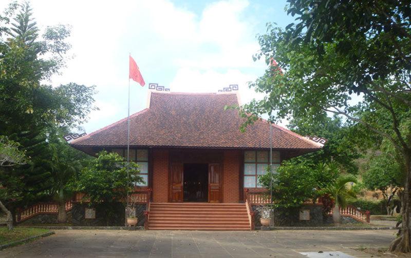 Nhà thờ Bác Hồ Phú Yên
