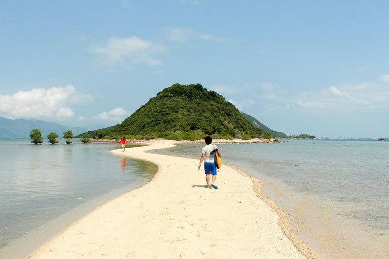 Đảo Nhất Tự Sơn