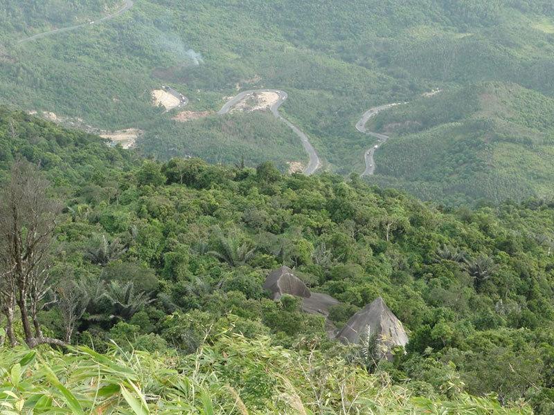 Núi Đá Bia - ngọn núi thiêng của Phú Yên