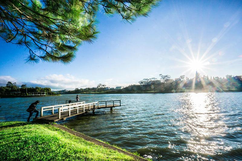 Buổi sáng Hồ Xuân Hương Đà Lạt