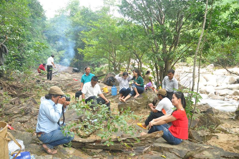 Suối Gấm nên thơ ở huyện Đồng Xuân Phú Yên