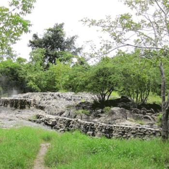 Suối nước nóng Trường Xuân